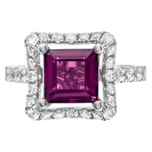 Pink sapphire (2.07cts) diamond ring in 18k white golf