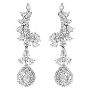Drop earrings in 18k white gold
