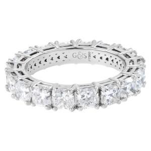 Diamond eternity band with 18 cushion cut diamonds 4.50 carats