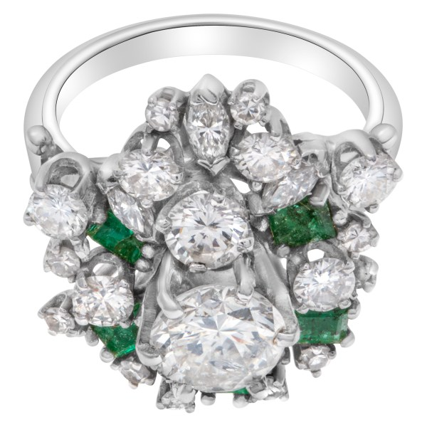 Cluster diamond and emerald ring in 14k white gold