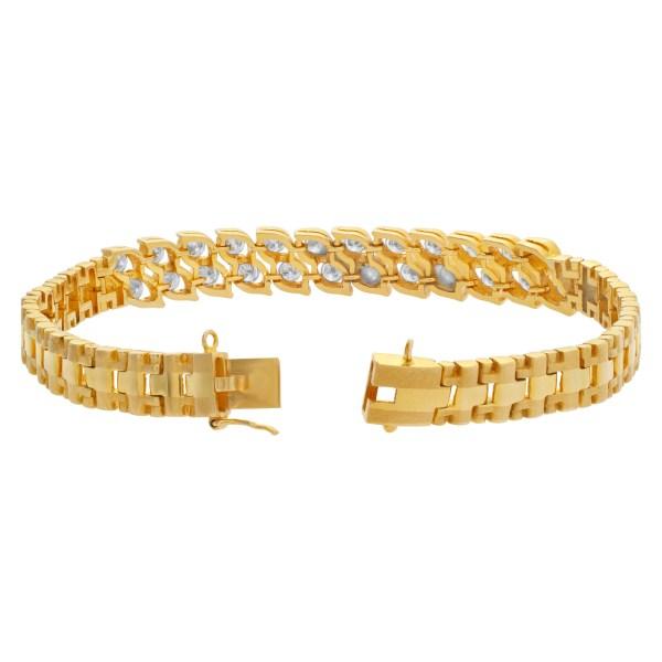 Diamond bracelet in 18k with over 1.25 carats in G-H color, VS clarity diamonds