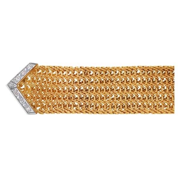 Wide diamond buckle bracelet in 18k pink gold