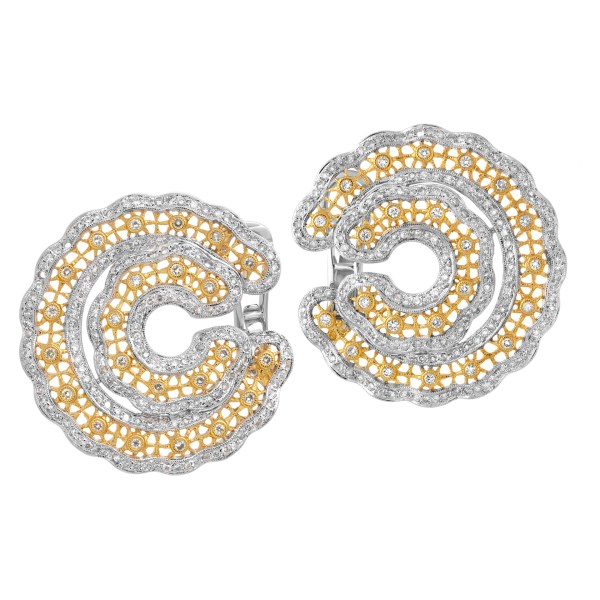 Lovely earrings with 2.5 cts in diamonds set in yellow and white circles