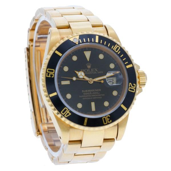 Rolex Submariner 16808 18k yellow gold 40mm auto watch
