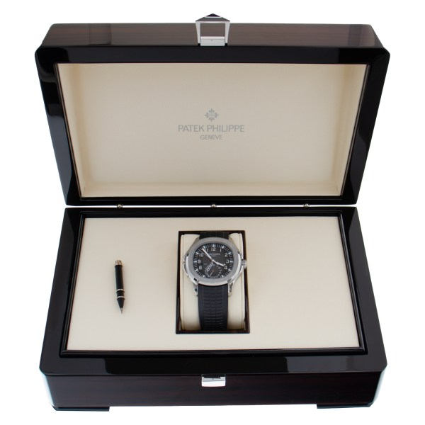 Patek Philippe Aquanaut 5164A-001 stainless steel 40mm auto watch