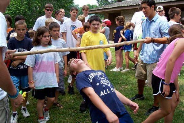 outdoor_party_games_limbo-2