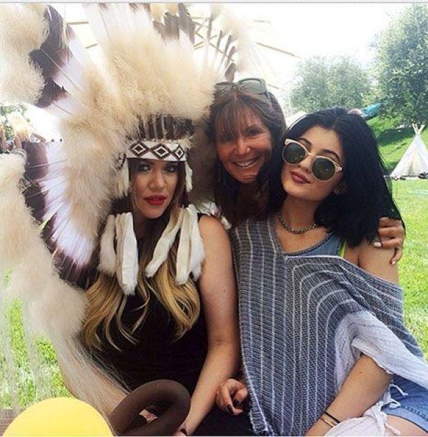 1403553214_khloe-kardashian-article