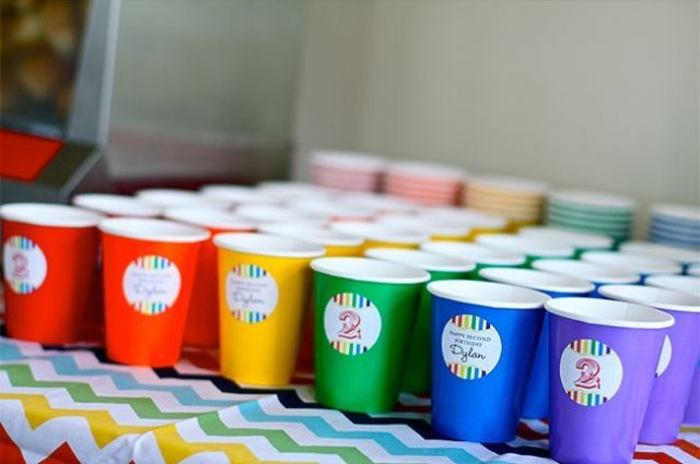 Chickabug_rainbow_theme_party16
