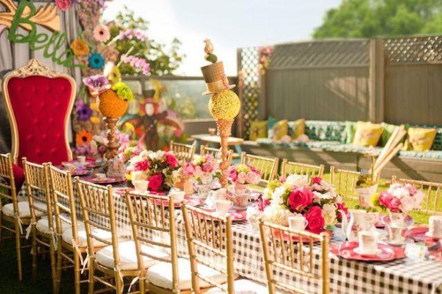 Alice-In-Wonderland-Birthday-Party-via-Karas-Party-Ideas-KarasPartyIdeas.com18