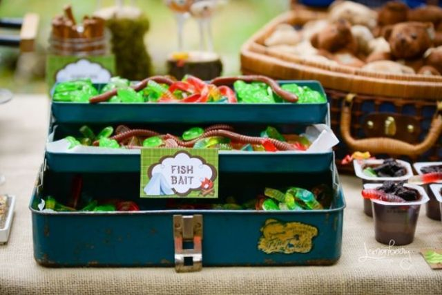 boys-camping-birthday-party-candy-ideas