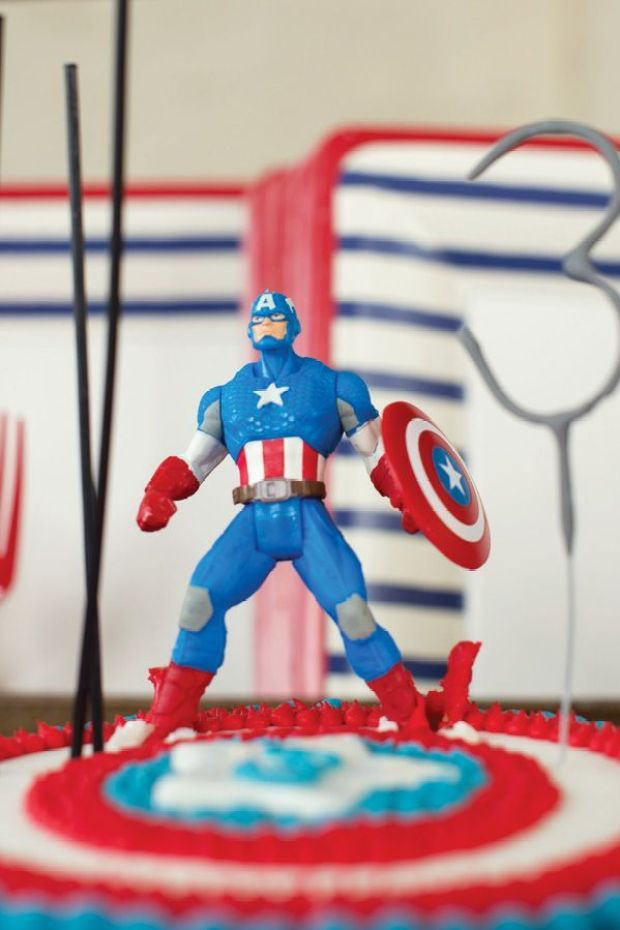 captain-america-cake-topper