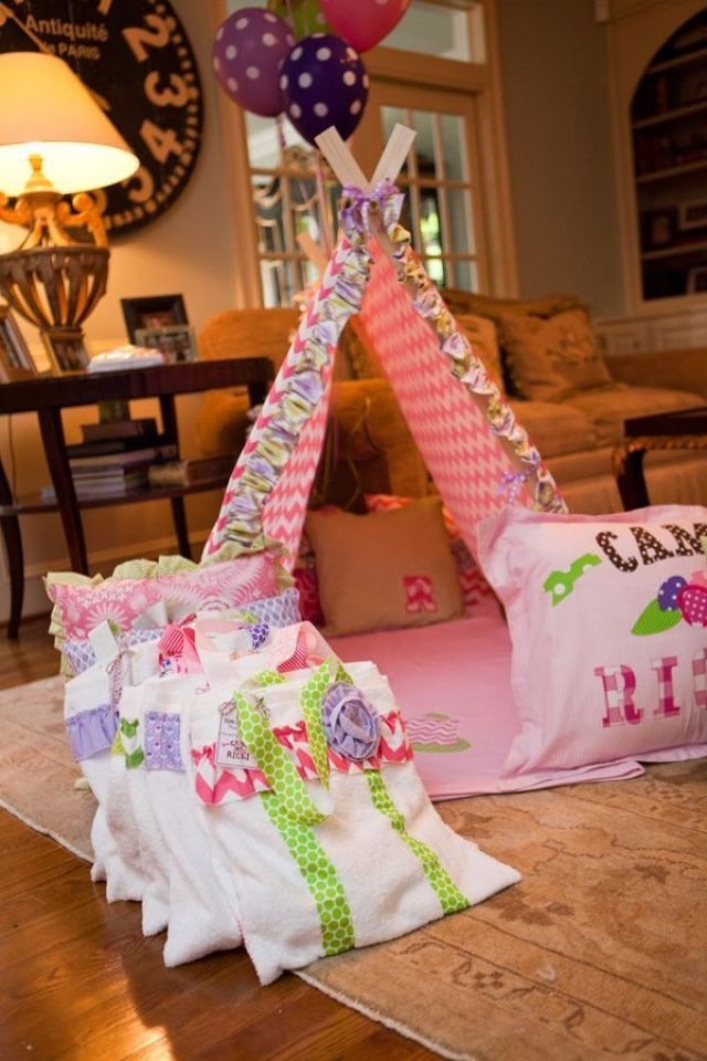 emily-maynard-glam-camping-birthday-party-ricki-18