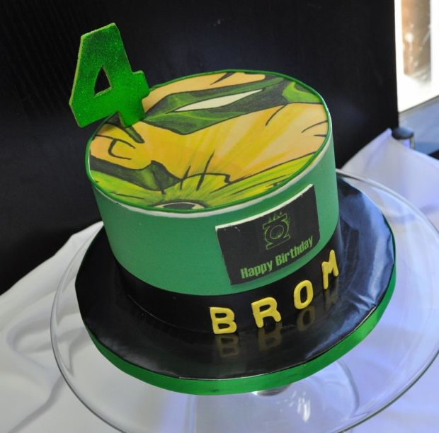 green-lantern-birthday-cake-ideas