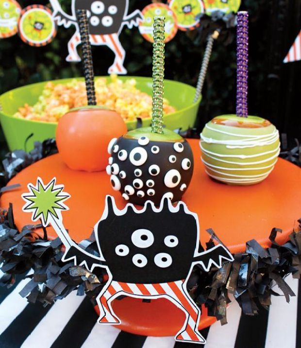 halloween-caramel-apples