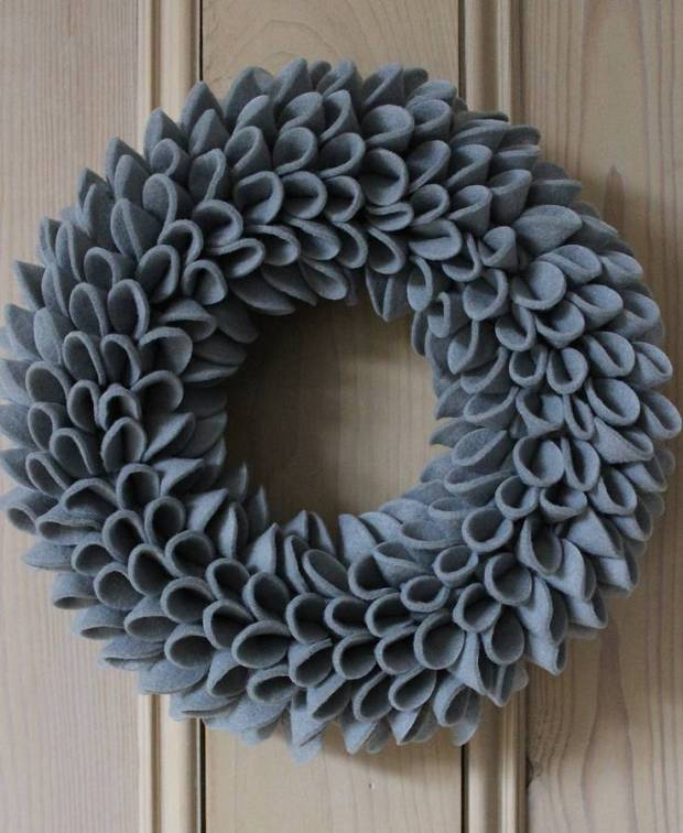 original_christmas-felt-wreath