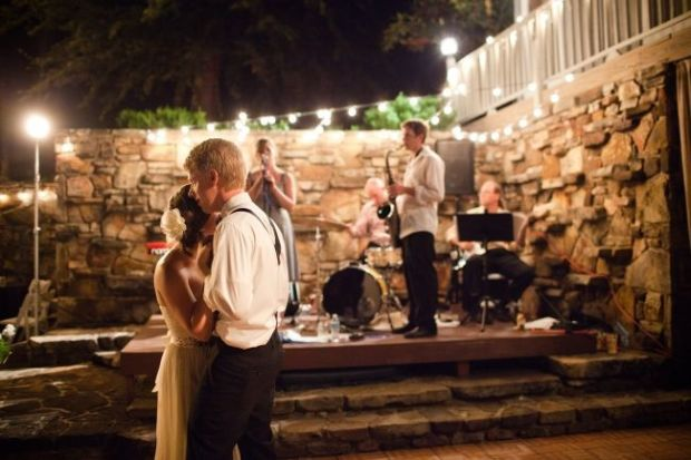 wedding-entertainment-small-wedding