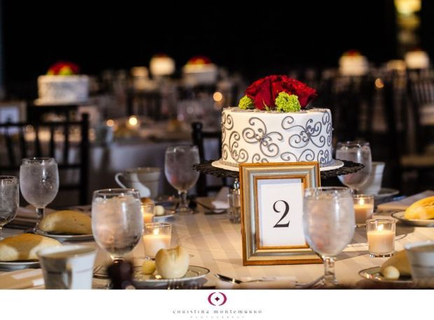Wedding-reception-mini-cakes-1
