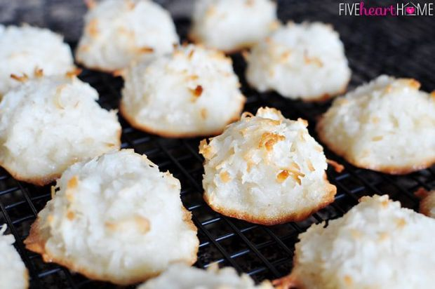 Coconut-Macaroons-Classic-or-Chocolate-Dipped-by-Five-Heart-Home_700pxRack