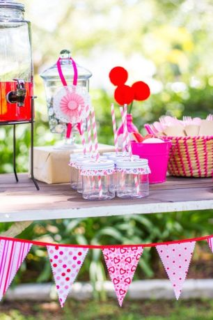 Hugs-Kisses-Valentine-Playdate-Party-via-Karas-Party-Ideas-KarasPartyIdeas.com9_