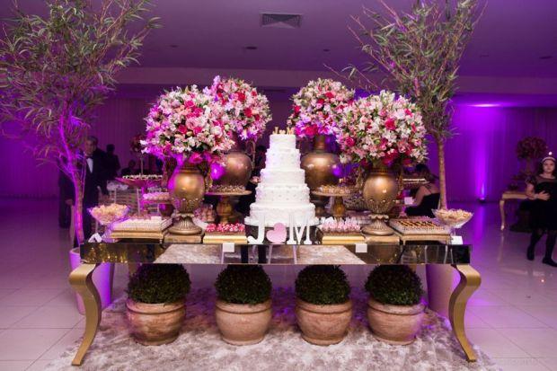 casamento-moderno-jacqueline-marcio-mesa-doces.jpg