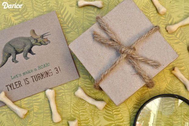 Dinosaur-birthday-invites-Darice-800x535.jpg