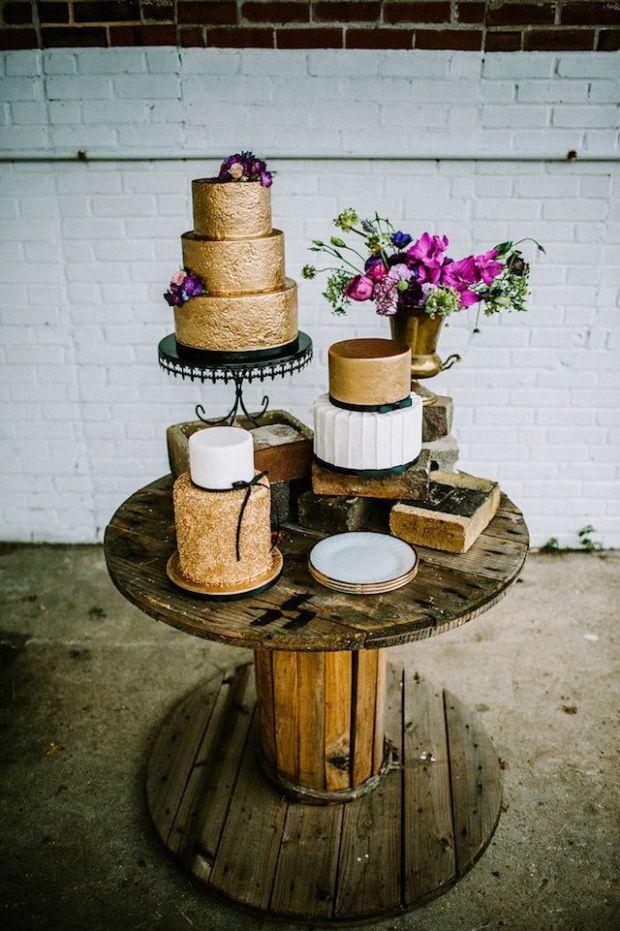 gold-wedding-cake.jpg