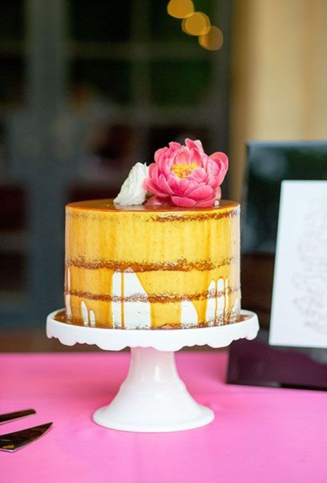one-tier-wedding-cakes-ben-q-photography.jpg