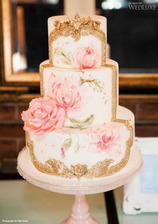 pretty-hand-painted-romantic-flowers-wedding-cake