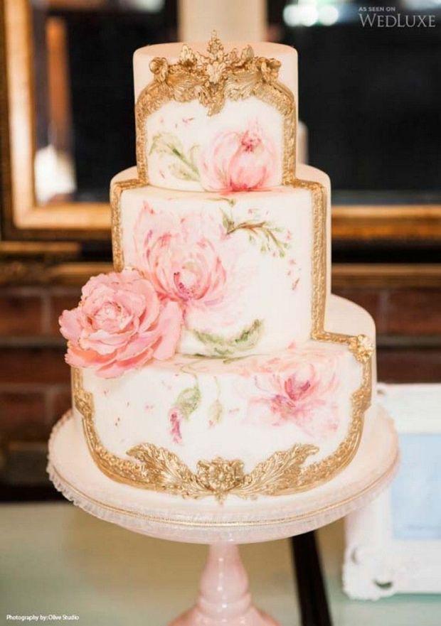 pretty-hand-painted-romantic-flowers-wedding-cake