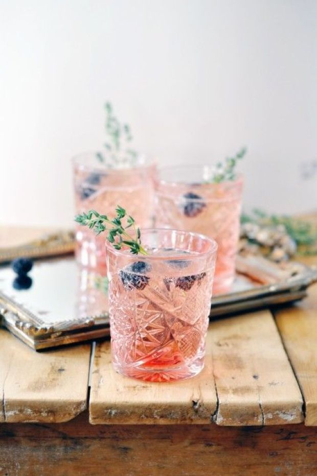 blackberry-thyme-cocktail_2-480x722.jpg