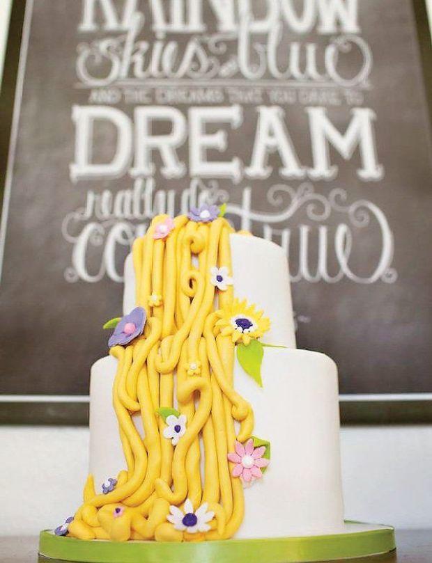 amazing-tangled-rapunzel-party-cake