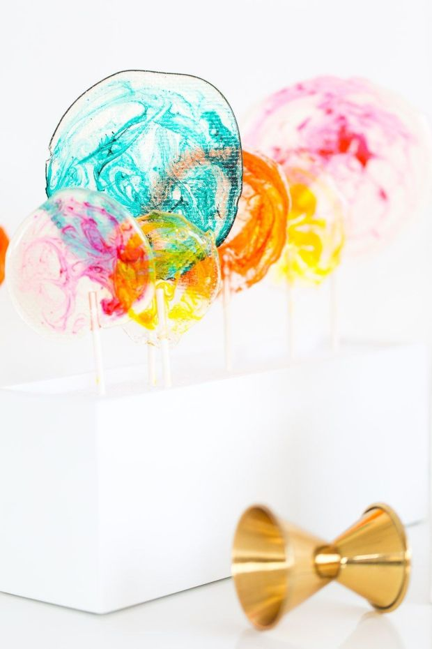 DIY-Marbled-Lollipops-20