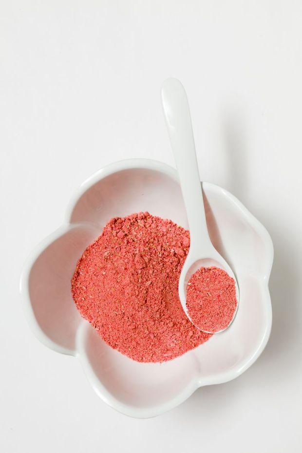 Strawberry-Rhubarb-Powder-07.jpg