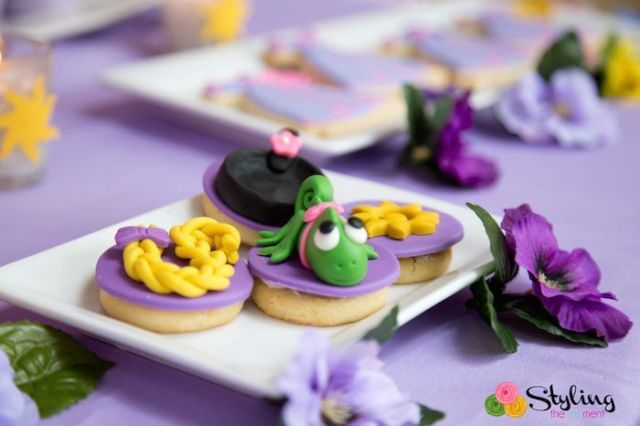 Tangled-+-Rapunzel-Birthday-Party-via-Karas-Party-Ideas-KarasPartyIdeas.com26