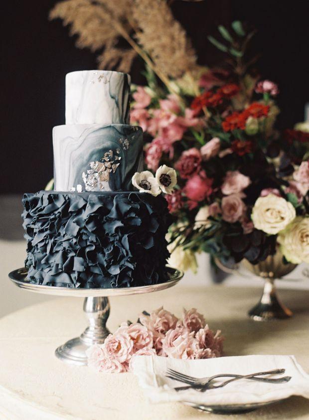 Wedding-Cake-with-Black-Ruffles