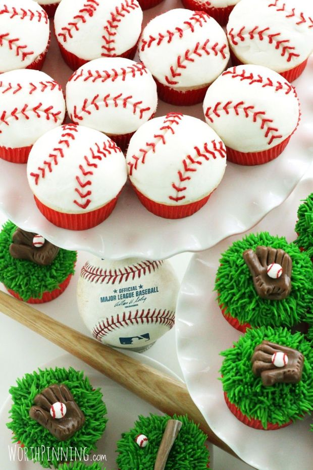 baseball glove bat cupcakes
