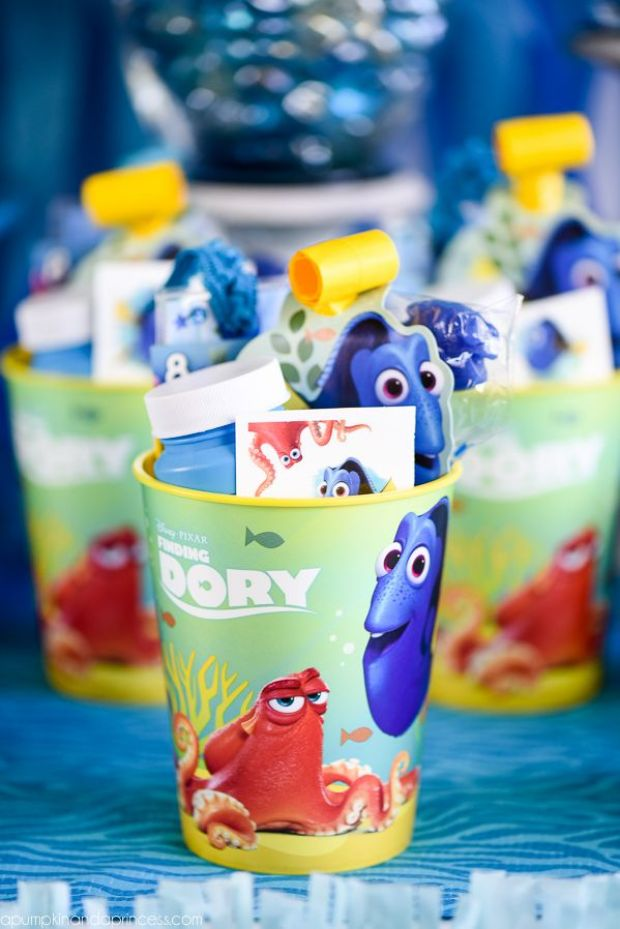 Finding-Dory-Party-Favors.jpg