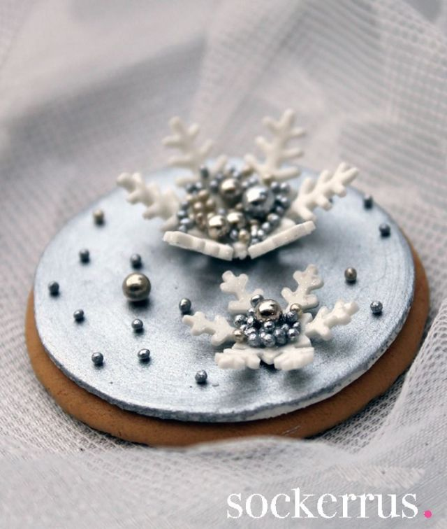 cookie-with-snowflake-by-sockerrus-the-sweet-blog.jpg