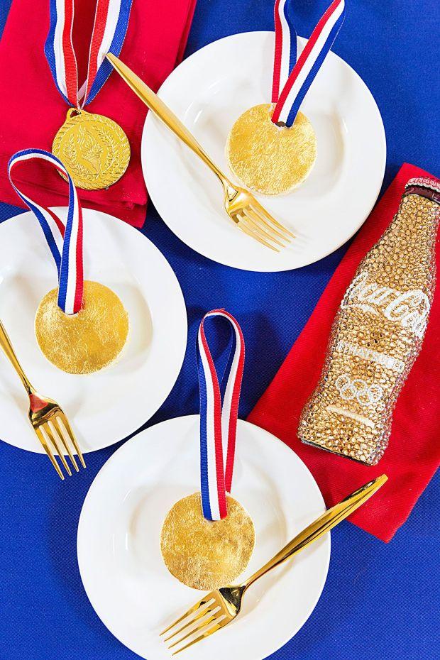 mini-gold-medal-cakes-01.jpg