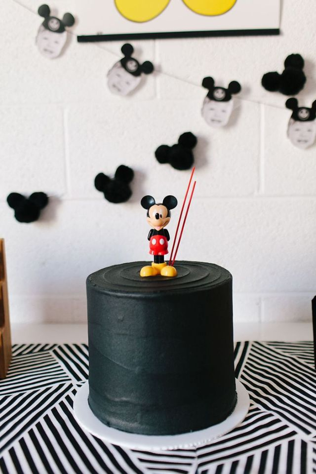 modern-mickey-mouse-birthday-party-7.jpg