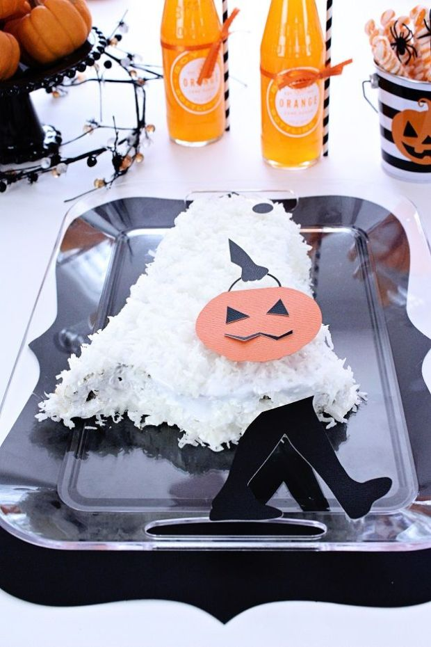 11-halloween-ghost-cake-kim-byers-7348sm