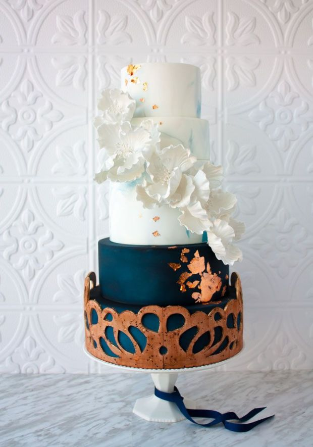 Canadas-Prettiest-Wedding-Cakes-2016-JENLA-Cake.jpg