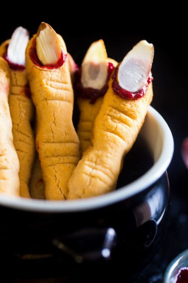 witch-finger-cookies-photography