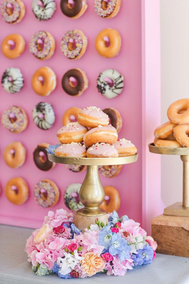 wpid426121-kalm-kitchen-donut-wall-catering-13