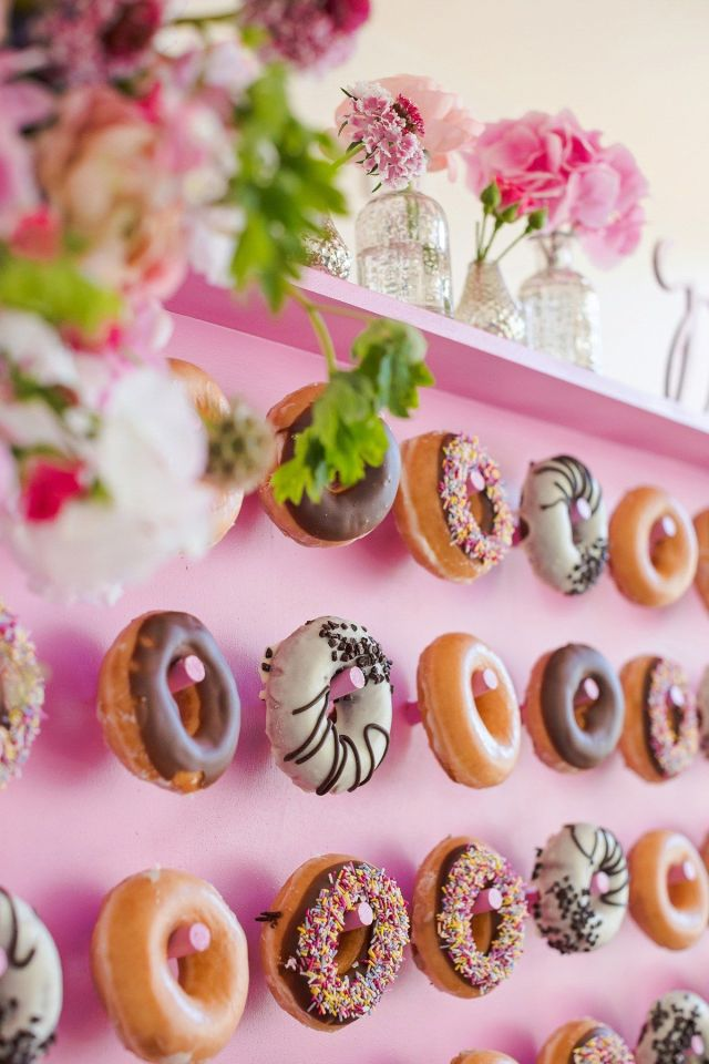 wpid426130-kalm-kitchen-donut-wall-catering-17