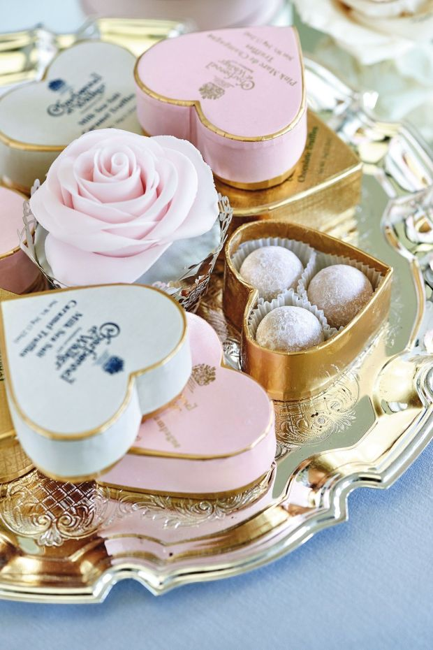 inspiring-classy-wedding-favors-uk-to-inspire-your-rings-and-band.jpg
