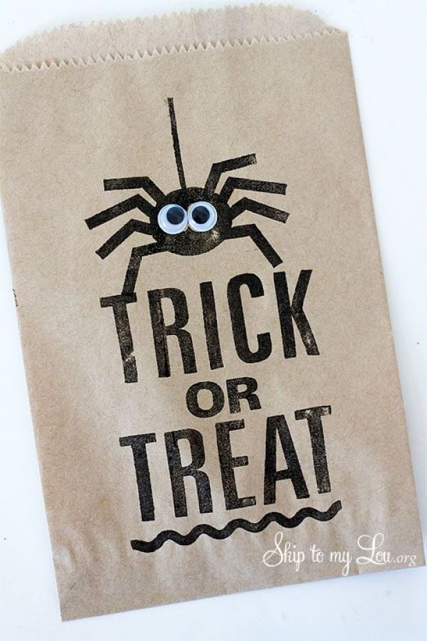 Trick-or-Treat-Spider-favor-bag.jpg