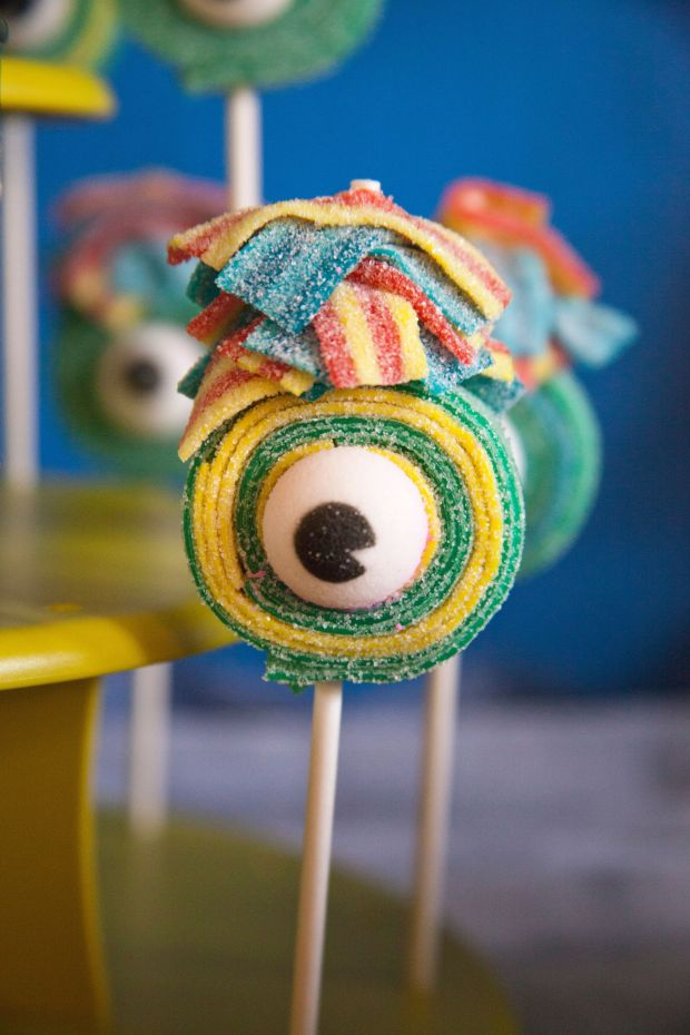 15-candy-kabobs-maria-healey-monsters-aliens-robots-birthday-party.jpg