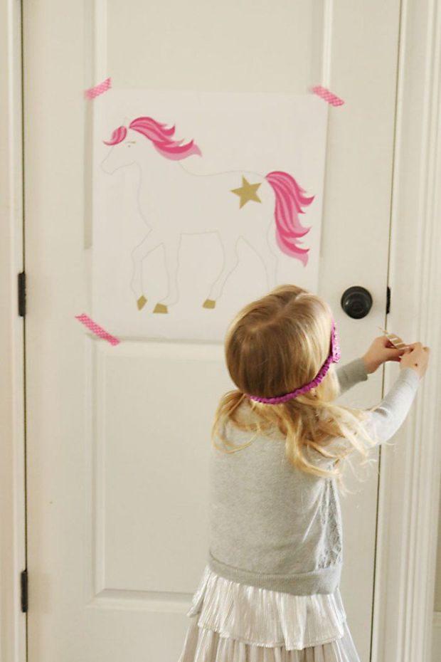 unicorn-birthday-party-pin-the-horn