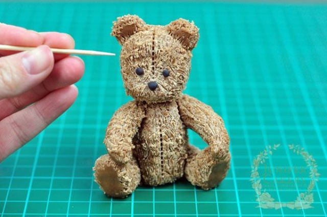 modeling-chocolate-antique-teddy-by-junipercakery-6-again
